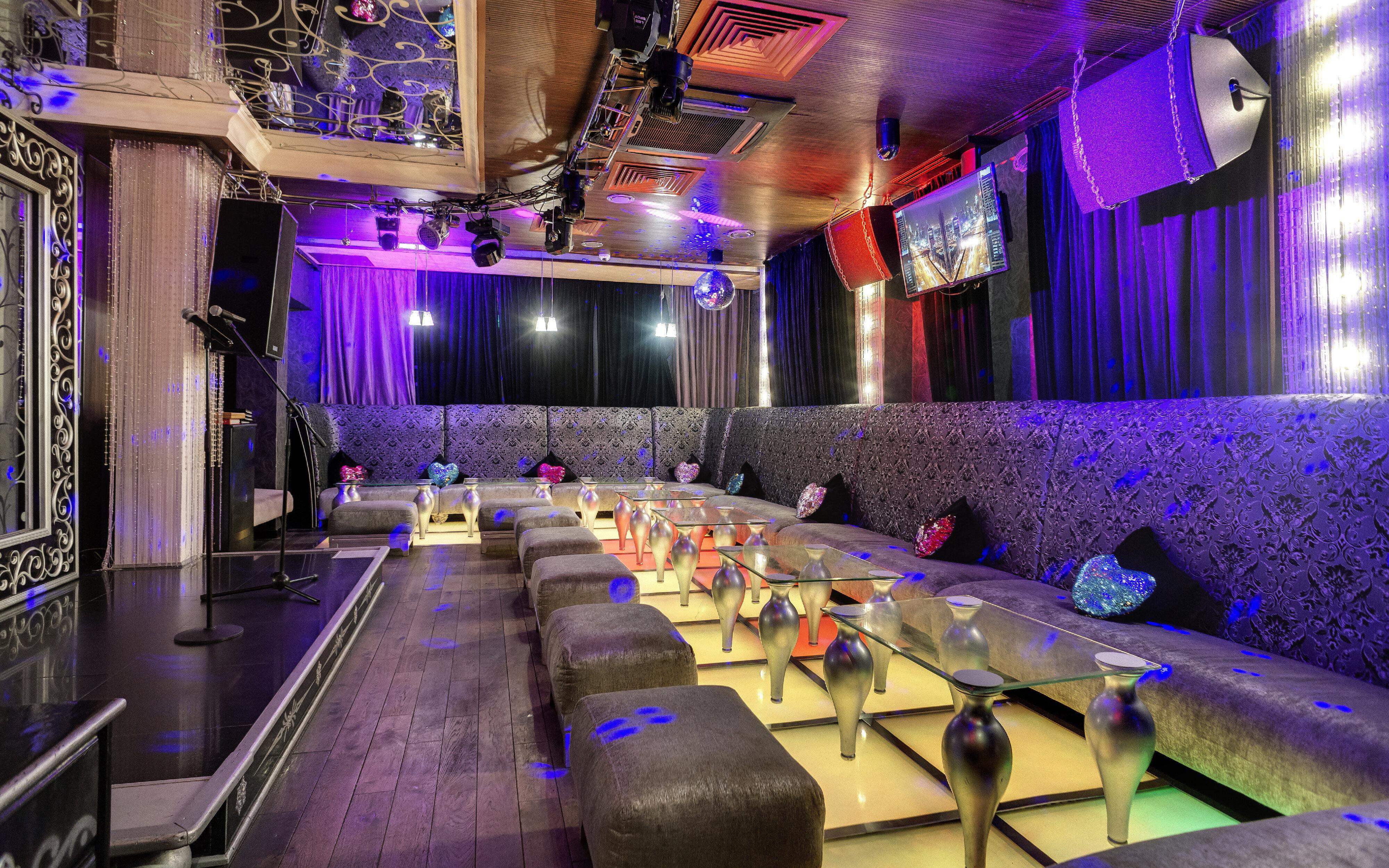Стрептиз клуб в москве адреса тула ночной клуб самбука