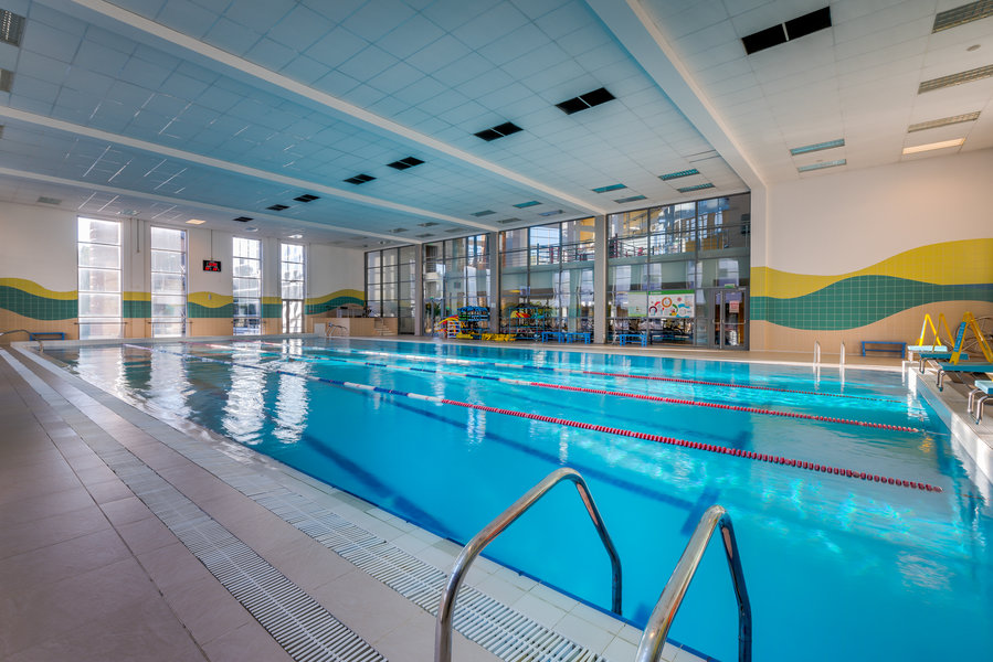 Фитнес клубы с бассейном в москве юге ночной клуб восточка диджей иван фрост