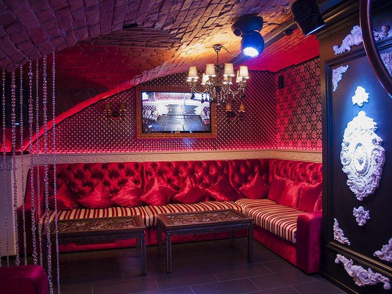 Мужские стриптиз клубы в самаре дискотека клуб в москва