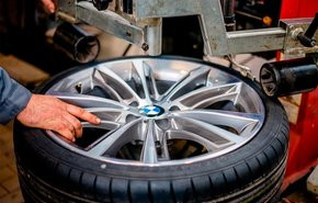 фотография Снятие и установка колеса