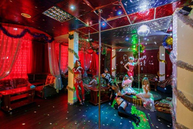 В ночной клуб тихое место английский язык клубы для общения москва