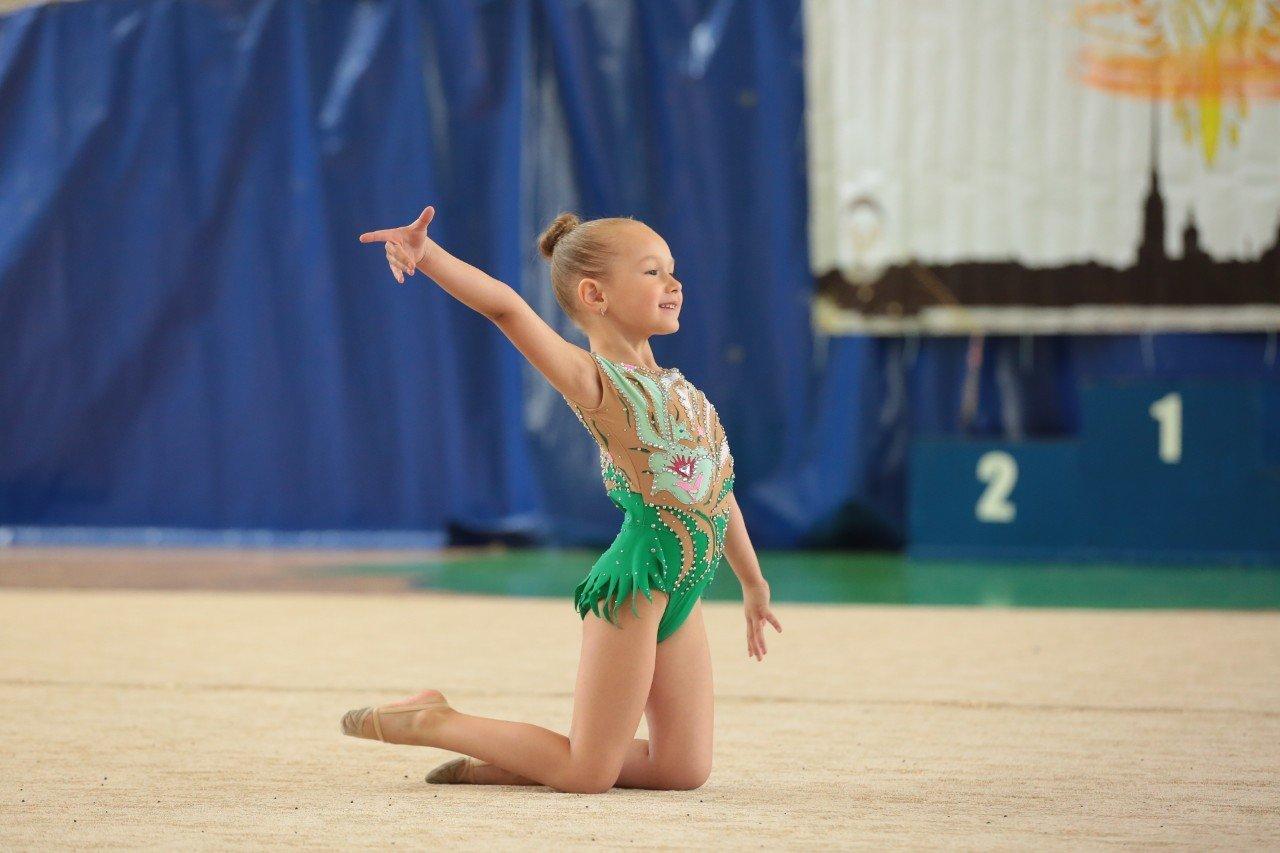 Клуб художественной гимнастики на улице Савушкина, 15 ...