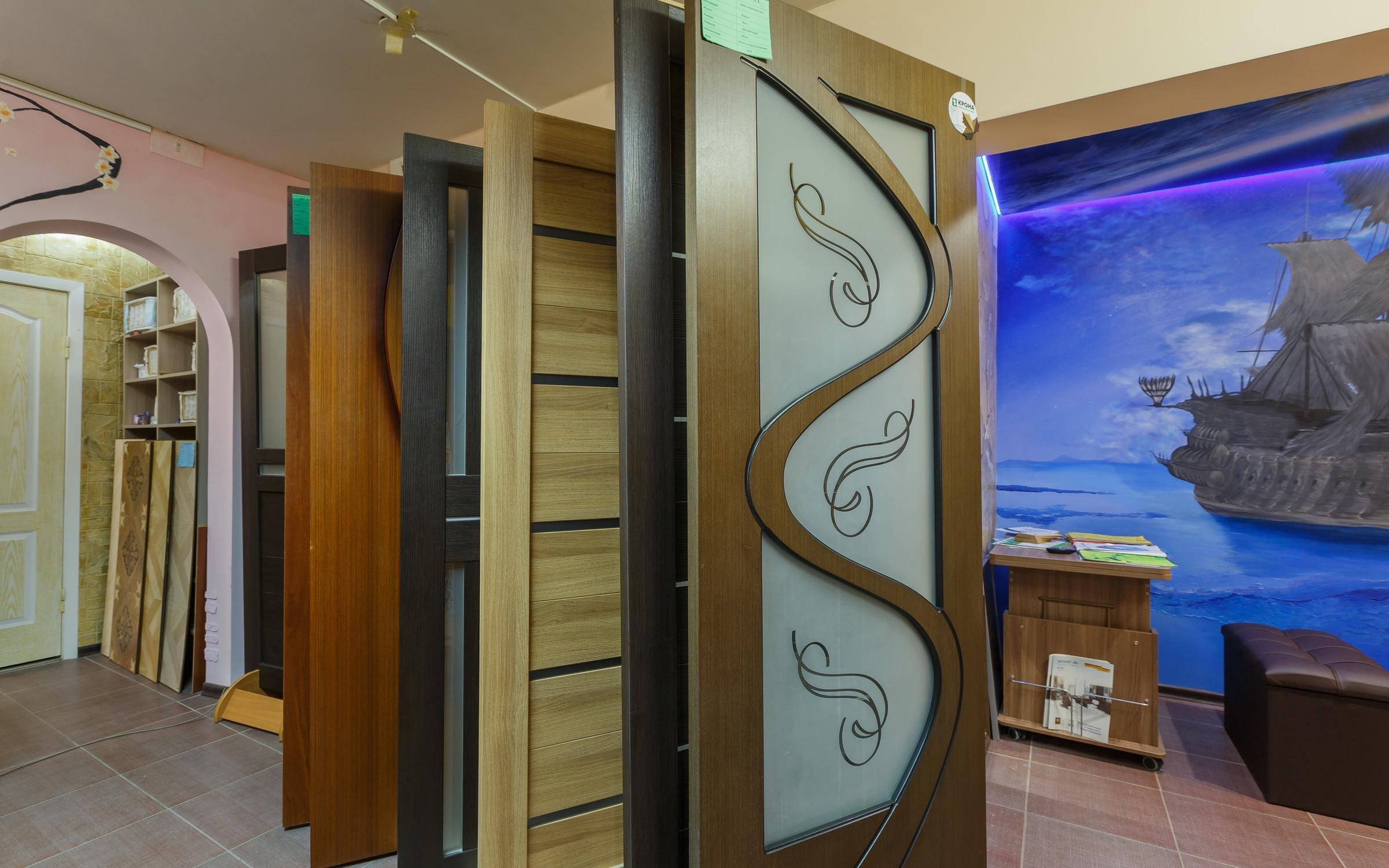 фотография Салон-магазин дверей и мебели на Линейной улице