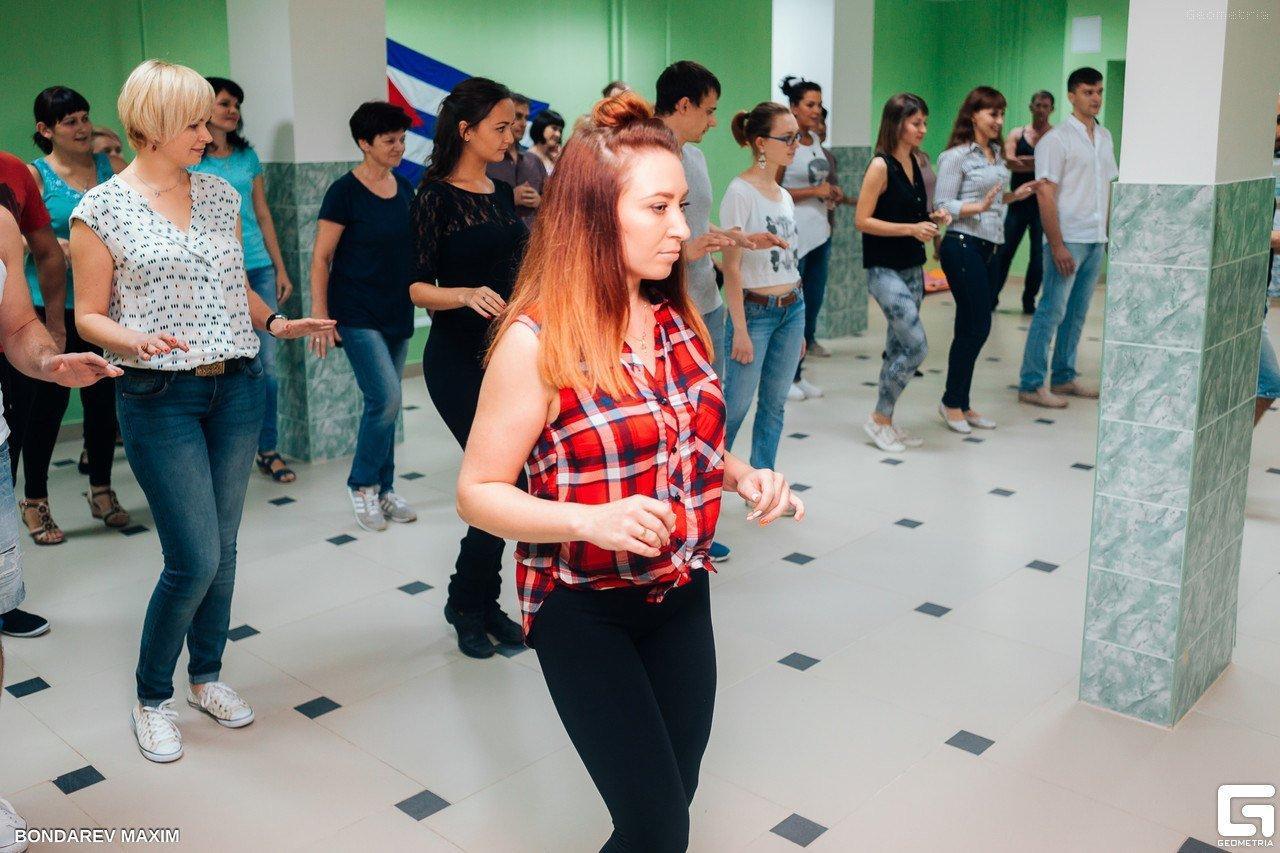 фотография Школы латиноамериканских танцев Casa Latina