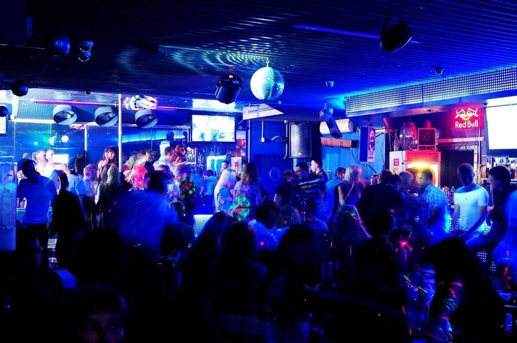 Вакансии в минске в ночном клубе закрытый секс клуб в контакте