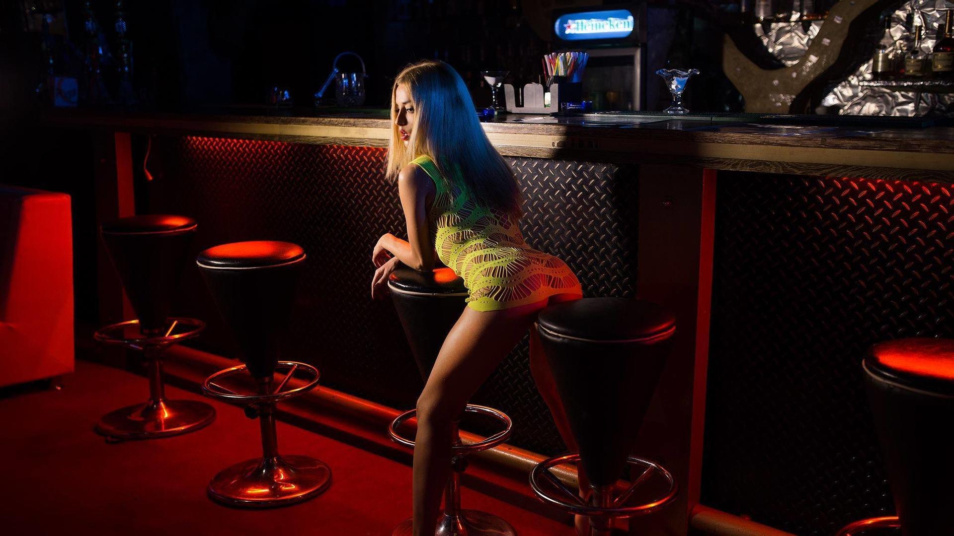 Секс на барной стойке в одессе фото разделяю