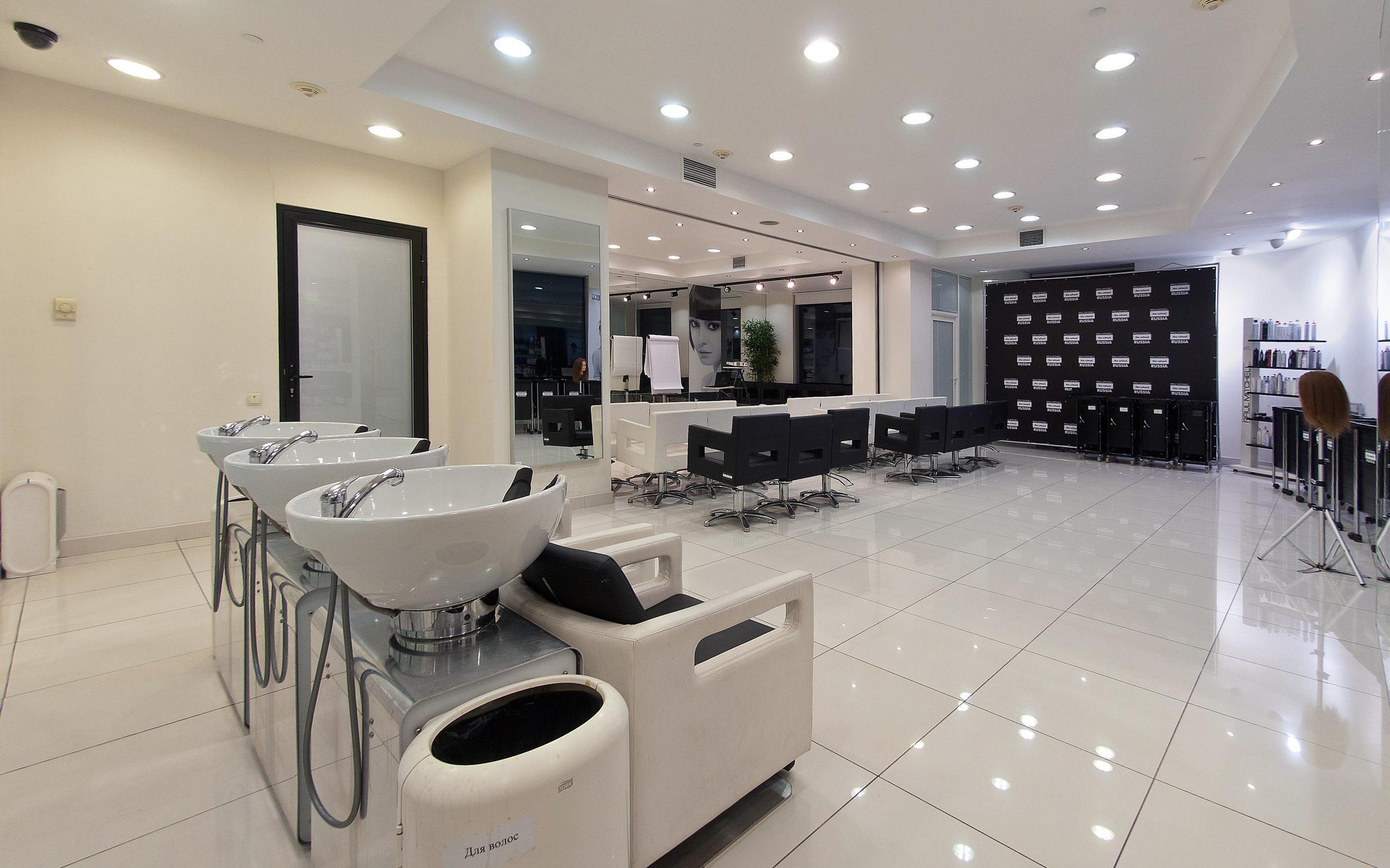 фотография Школы парикмахерского мастерства Paul Mitchell School в БЦ Виктори Плаза