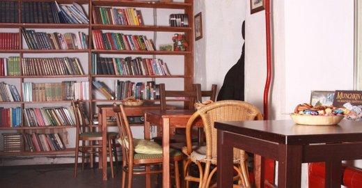 фотография Кафе Зелёная дверь в Милютинском переулке