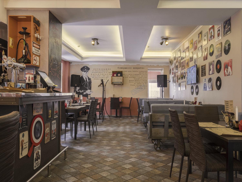 фотография Арт-кафе NEW PLACE на площади Журавлева