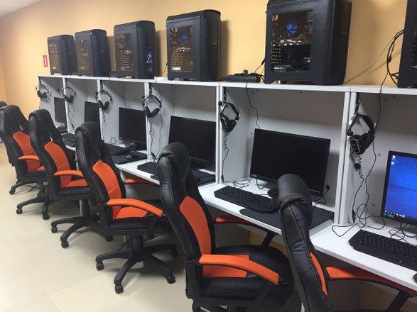 Компьютерные клубы в москве которые работают ночные клубы сходни