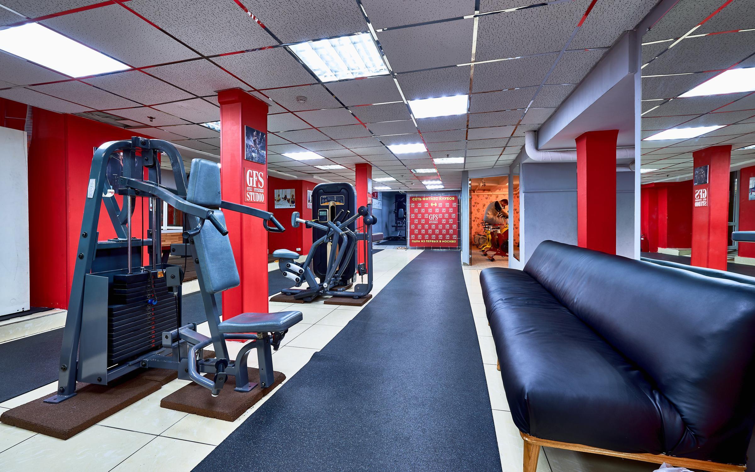 Преимущества фитнес-клубов gold's fitness.