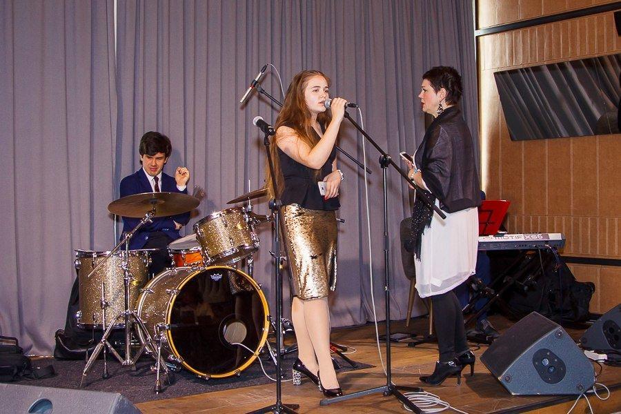 фотография Музыкальной школы J & M School на улице Жака Дюкло