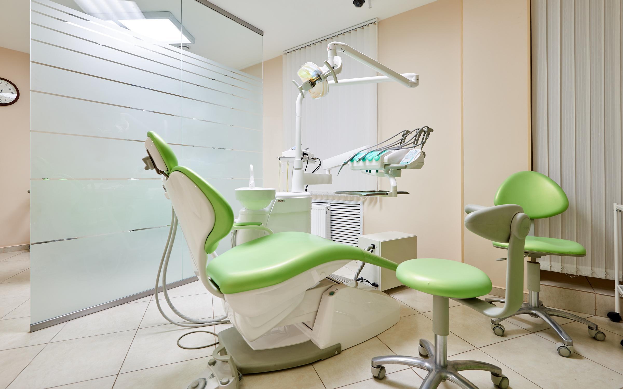 фотография Центра имплантации и стоматологии ИНТАН на Вознесенском проспекте