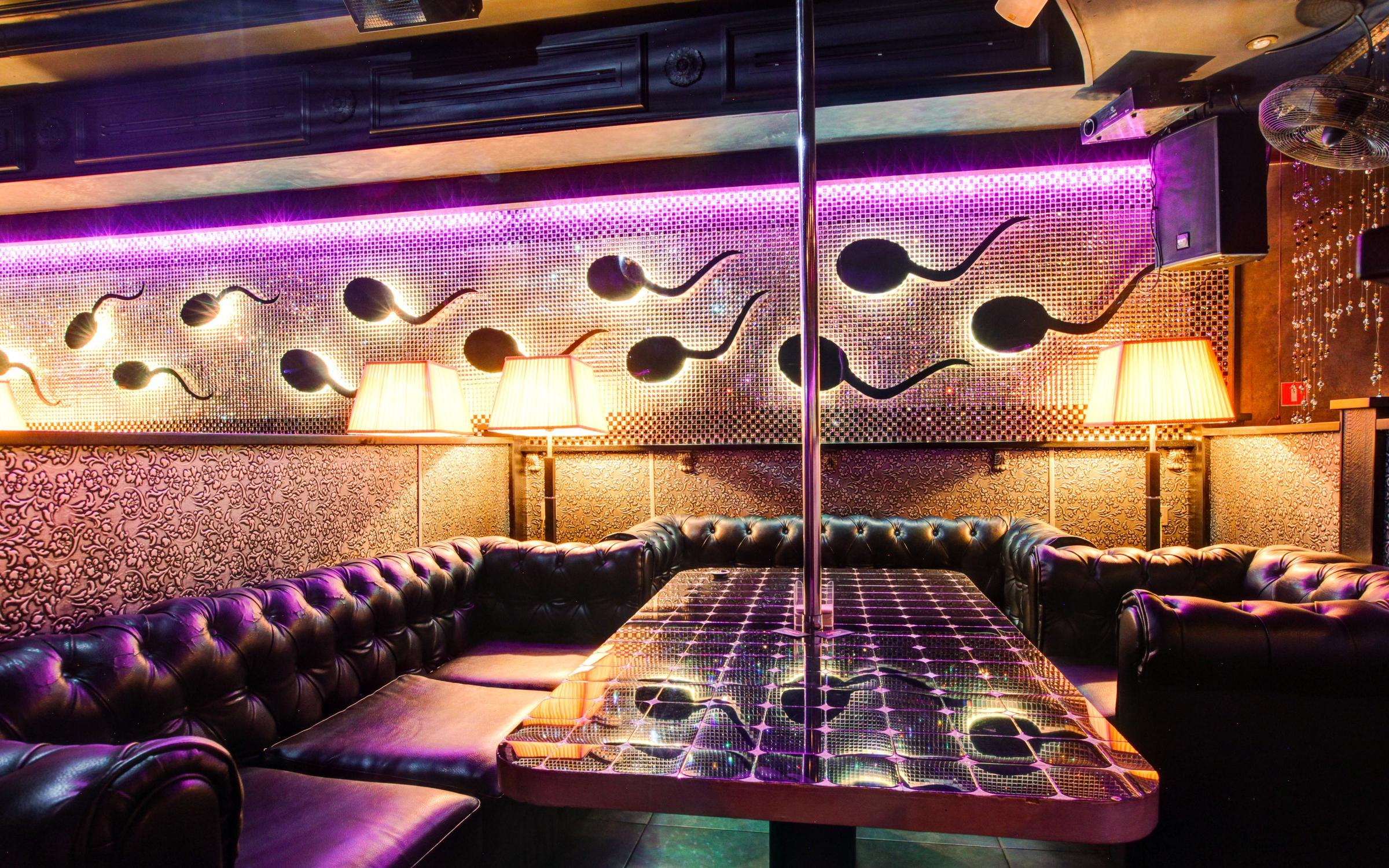 Видео стриптиз бар ресторан