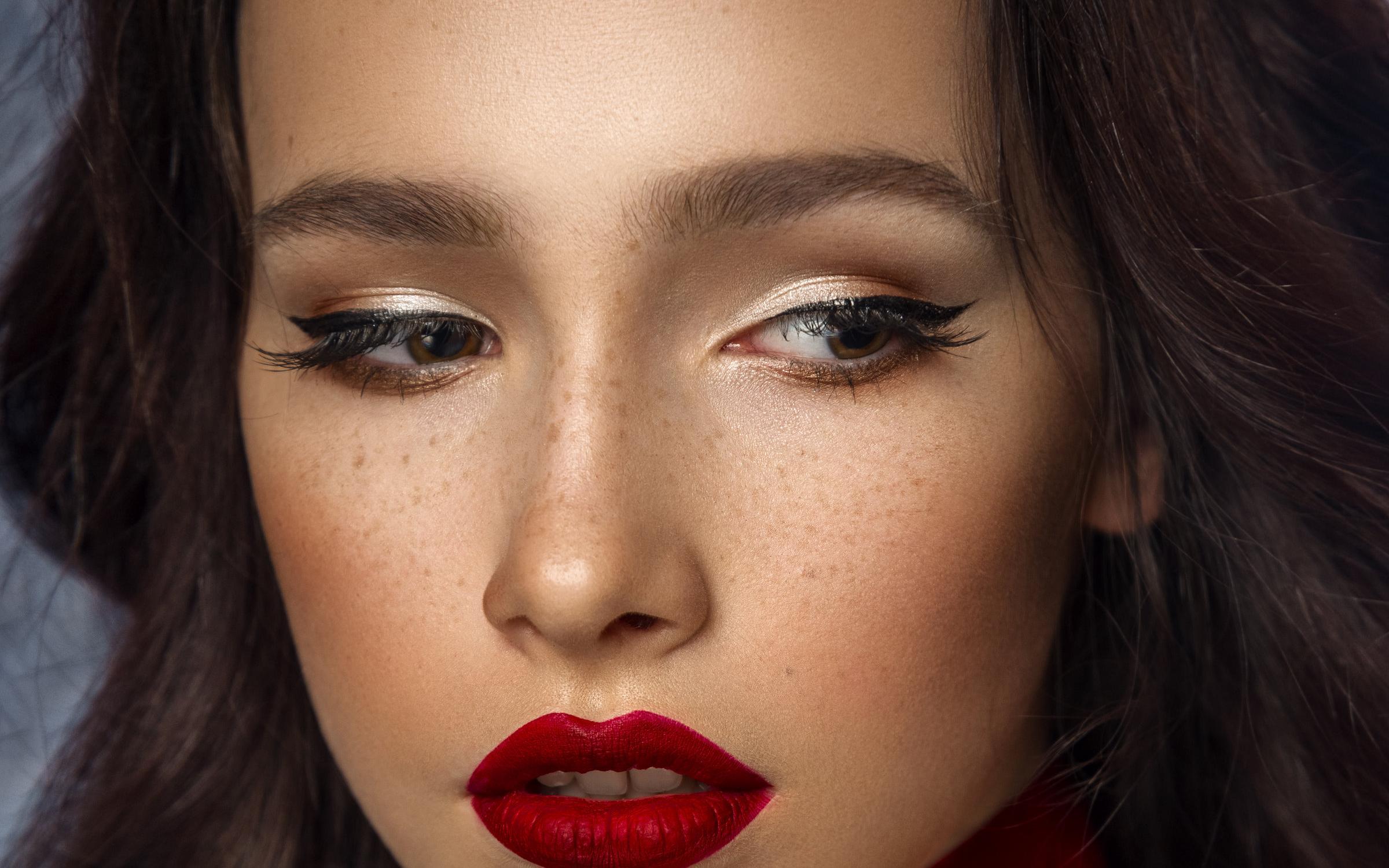 Фото профессионального вечернего макияжа