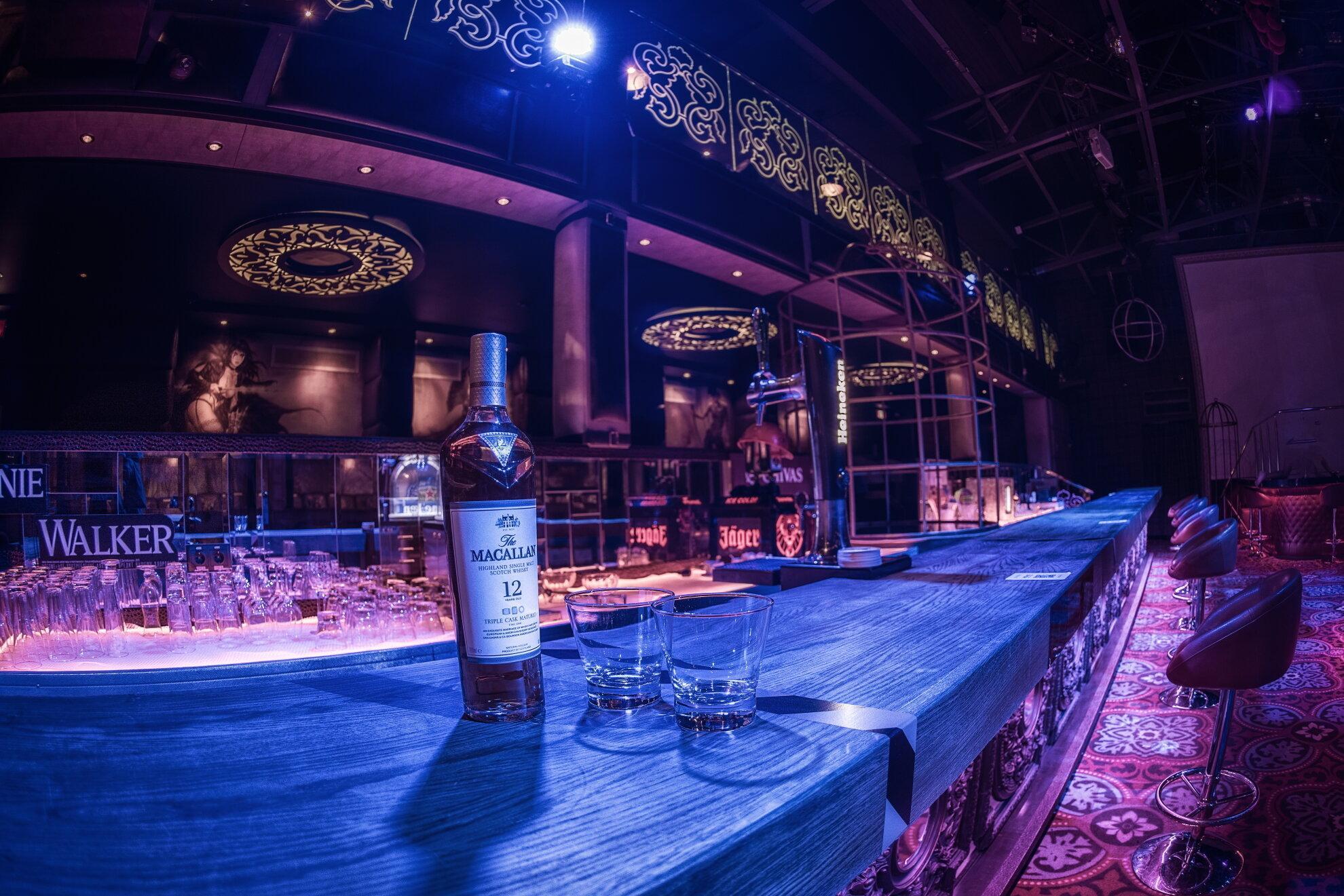 Ночной клубы в симферополь факел москва волейбольный клуб