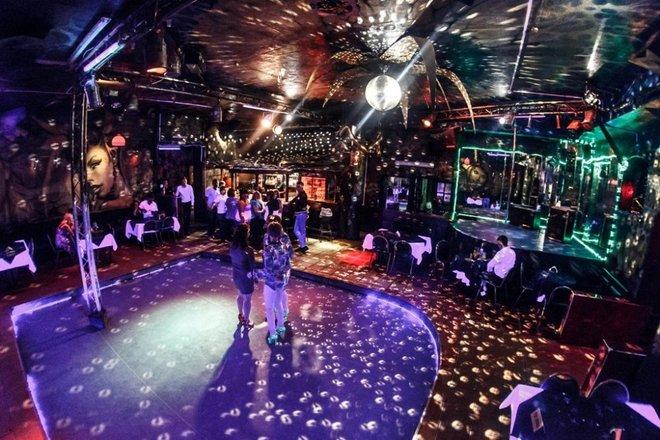 Ночной клуб в калининграде атлантика клубы москвы с диванами