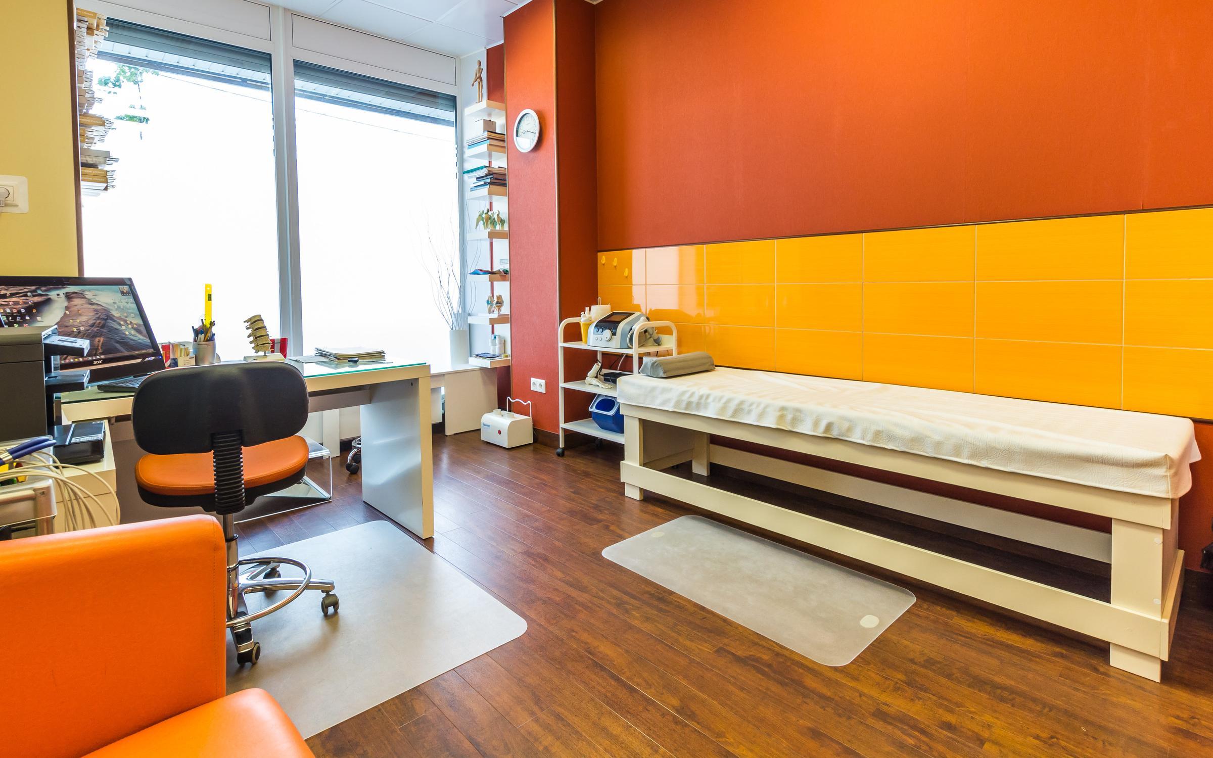 Цены лечения суставов и позвоночника в Москве