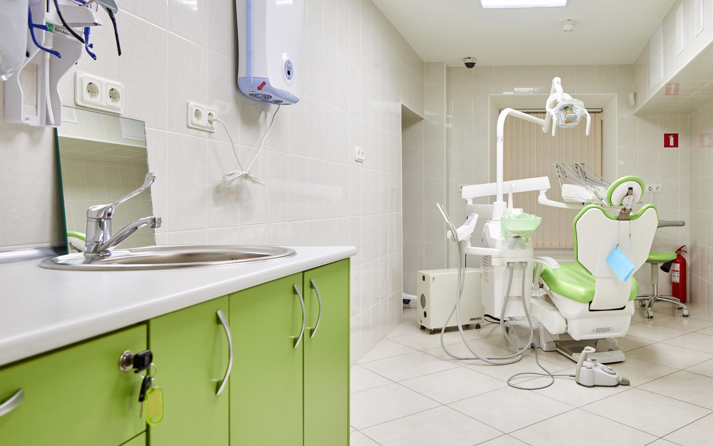 фотография Центра имплантации и стоматологии ИНТАН на Лиговском проспекте