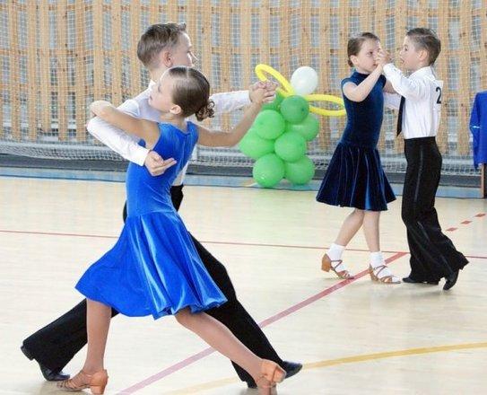 Звездный вальс танцевальный клуб москва русская студентка в ночной клуб